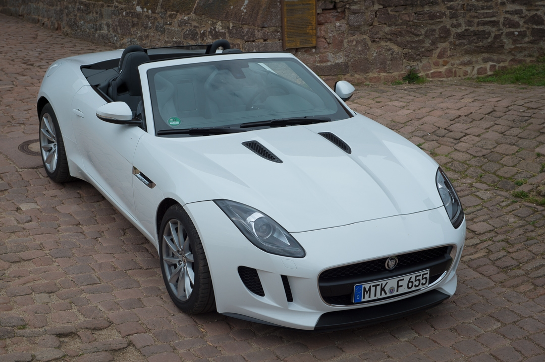 2013-jaguar-ftype-v6-polaris-white-michelstadt-04