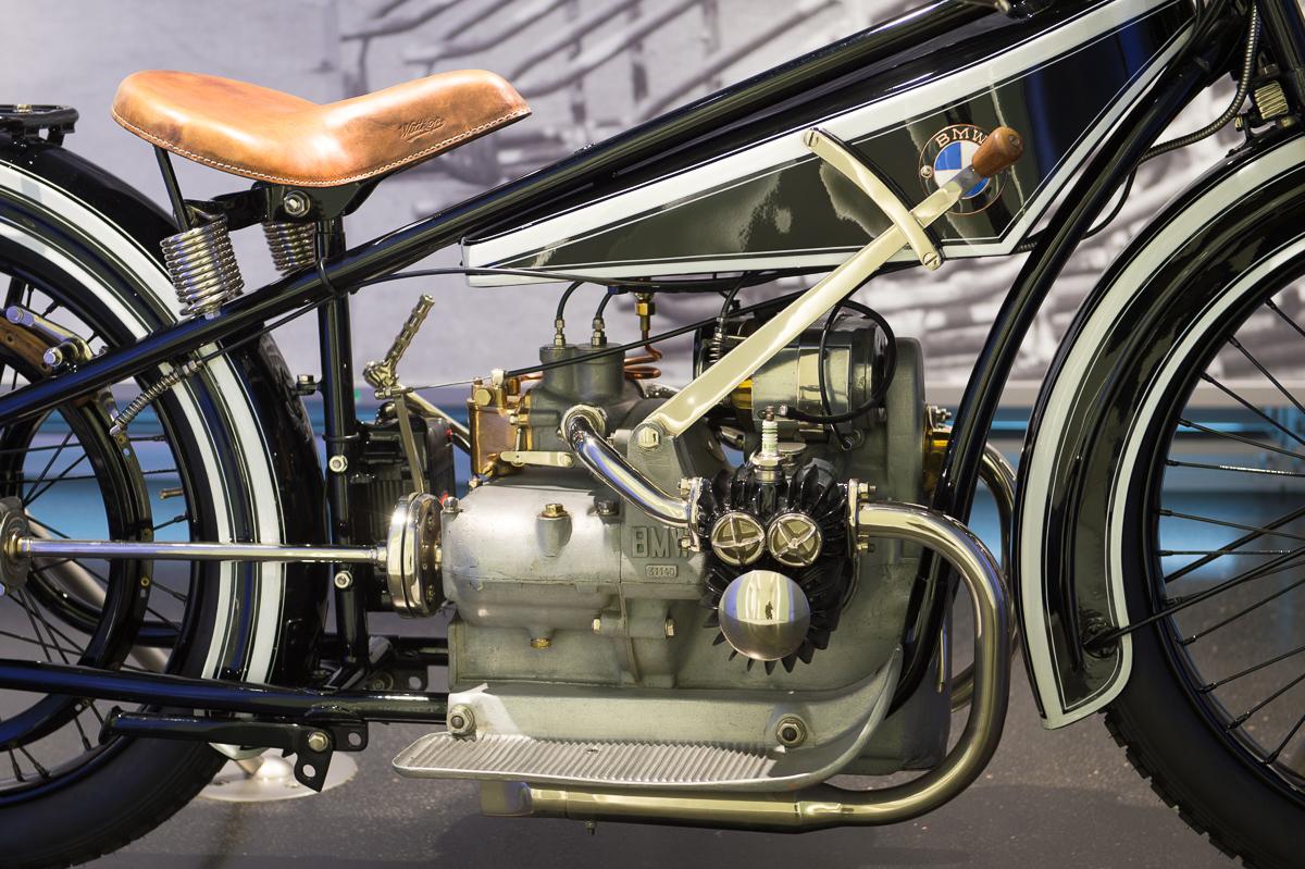 2014-12-Besuch-BMW-Museum-Munich-04