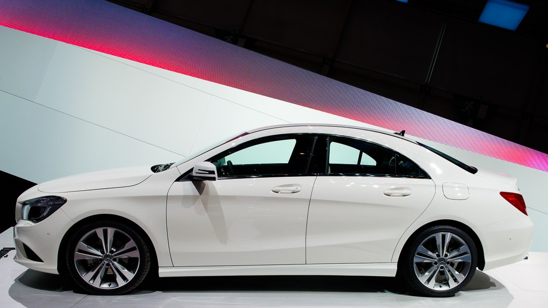 2013-mercedes-benz-cla-180-zirrusweiss-genf-auto-salon-03