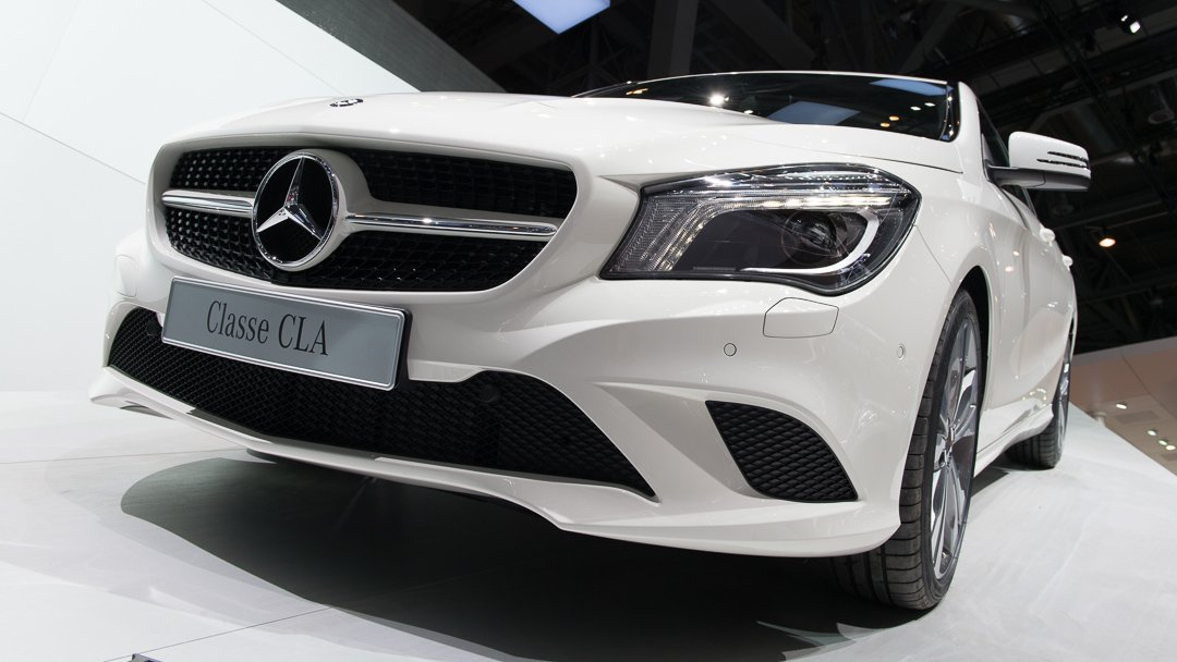 2013-mercedes-benz-cla-180-zirrusweiss-genf-auto-salon-06