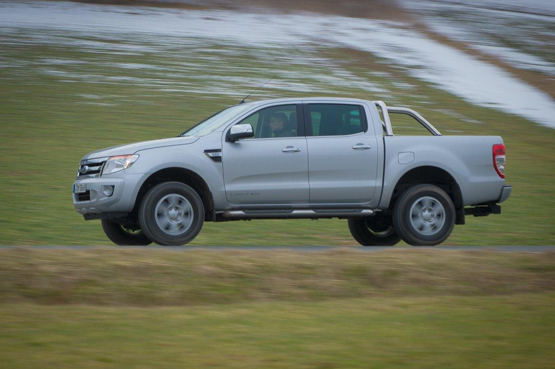 Probefahrt mit dem polar-silbernen 2012 Ford Ranger Limited Doppelkabine 2.2 TDCi 150 PS Automatik