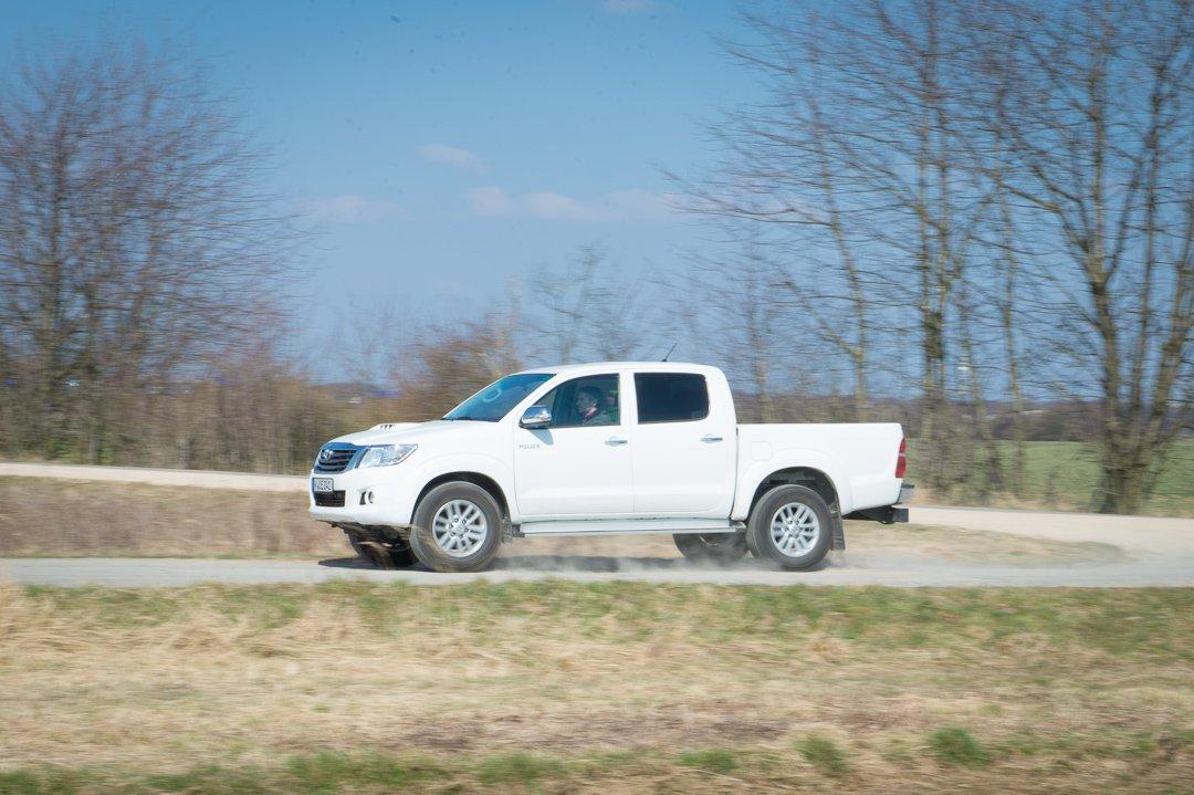 Der mit der Hutze: 2012 Toyota Hilux 3.0 D4-D Doppelkabine Executive