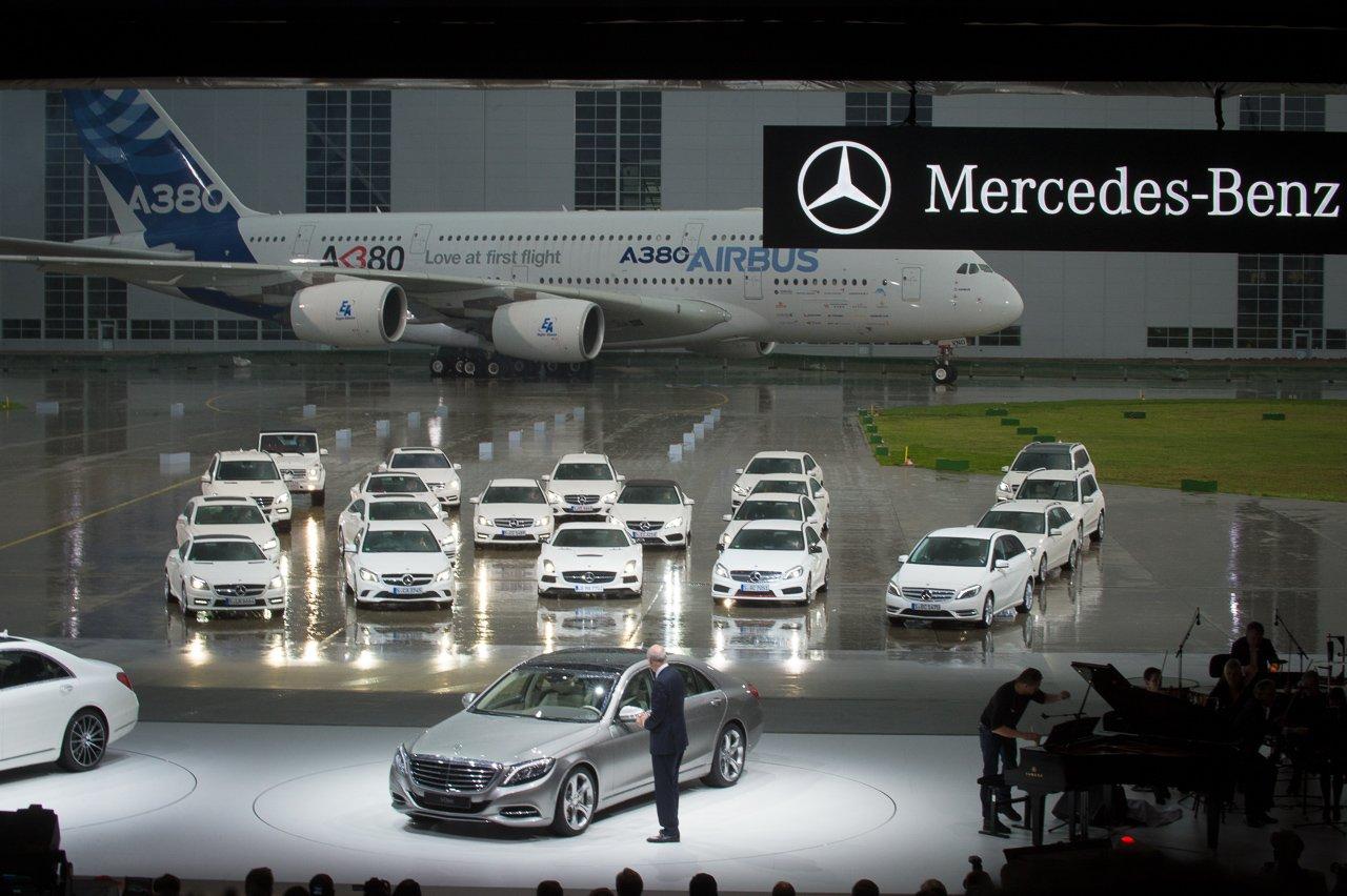 Fotos und Videos von der Weltpremiere der neuen 2013 Mercedes-Benz S-Klasse W222 in Hamburg