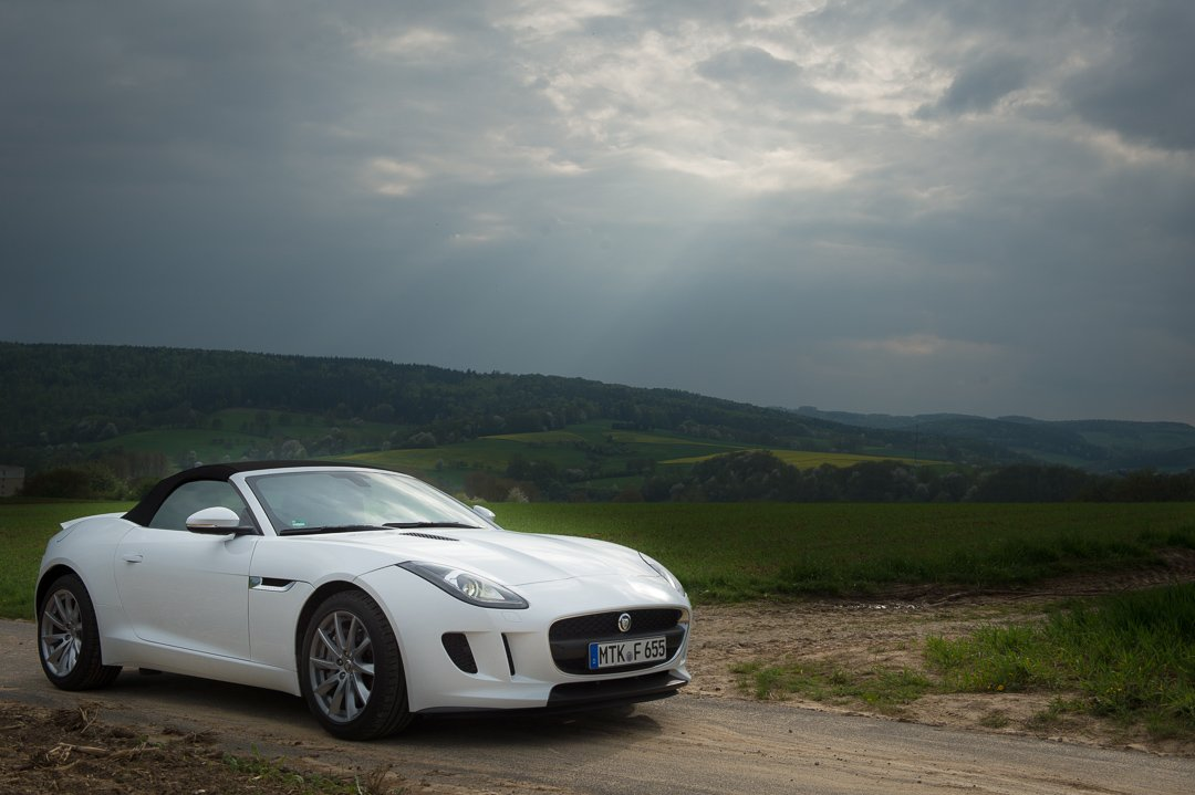2013-jaguar-ftype-v6-polaris-white-michelstadt-22