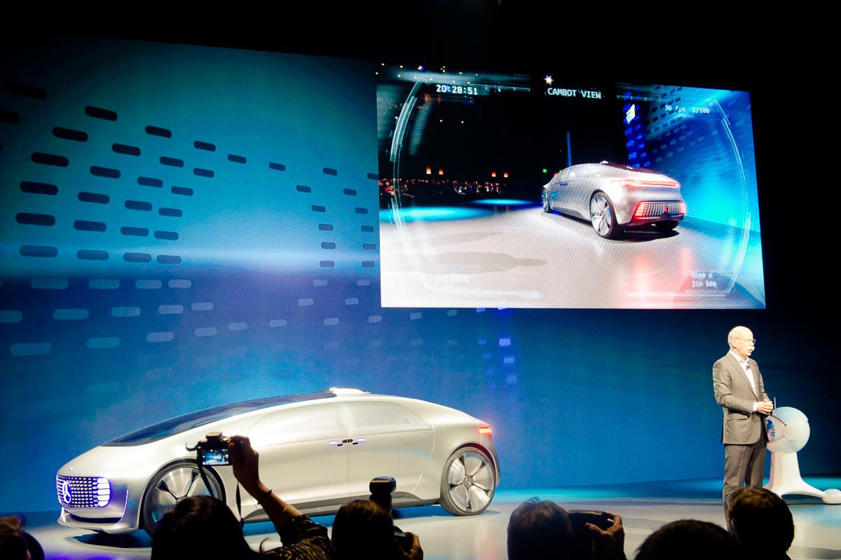 2015-01-05-CES-Las-Vegas-Mercedes-Benz-F015-Luxury-in-Motion-02