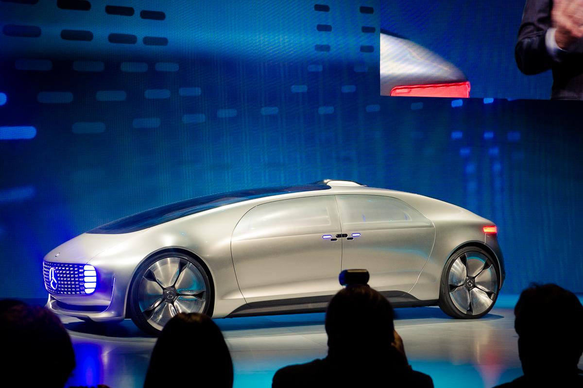 2015-01-05-CES-Las-Vegas-Mercedes-Benz-F015-Luxury-in-Motion-03