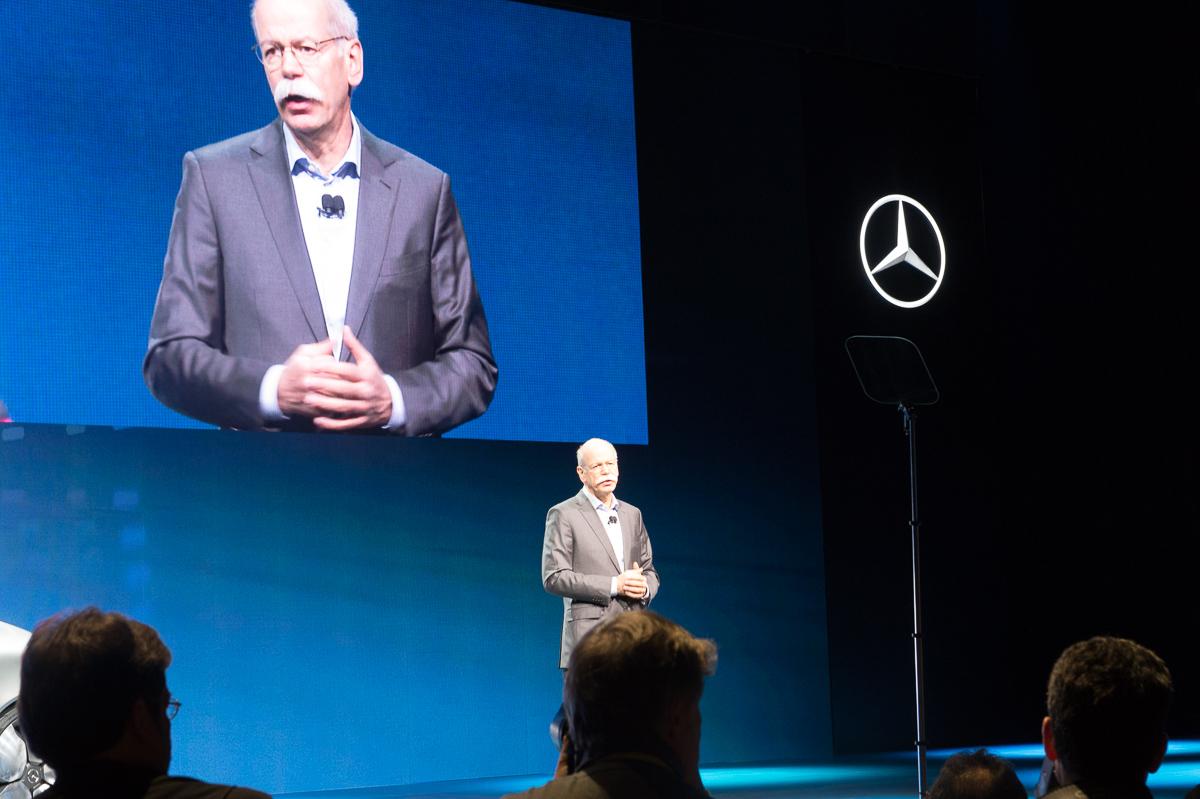 2015-01-05-CES-Las-Vegas-Mercedes-Benz-F015-Luxury-in-Motion-04