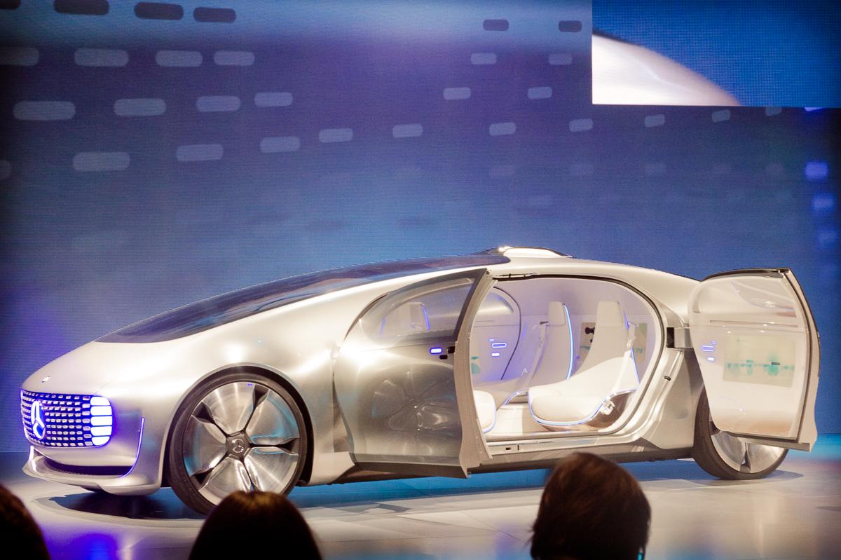 2015-01-05-CES-Las-Vegas-Mercedes-Benz-F015-Luxury-in-Motion-05