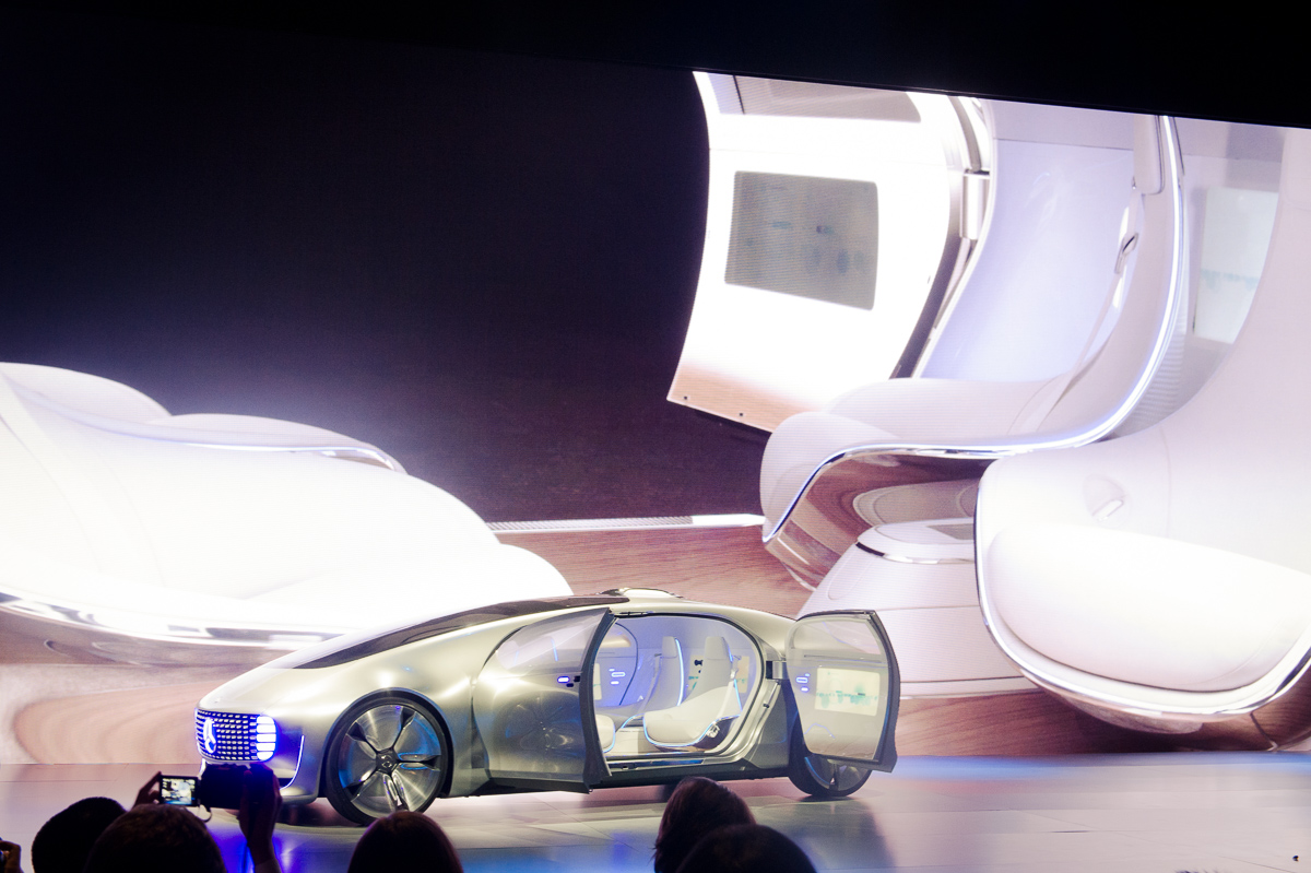 2015-01-05-CES-Las-Vegas-Mercedes-Benz-F015-Luxury-in-Motion-06