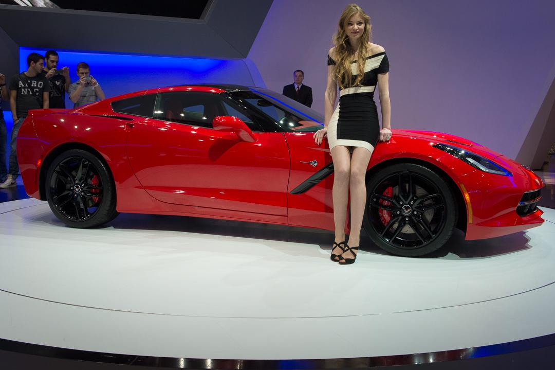 2013-chevrolet-corvette-c7-stingray-rot-genf-auto-salon-01