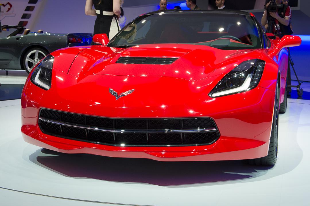 2013-chevrolet-corvette-c7-stingray-rot-genf-auto-salon-02