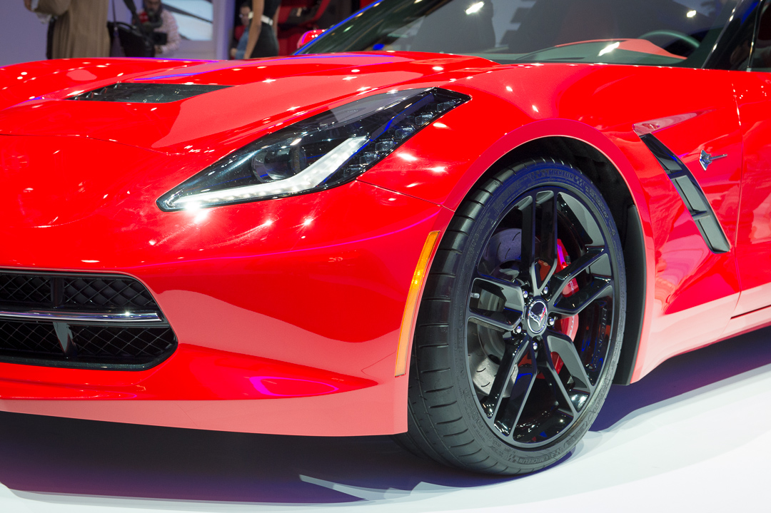 2013-chevrolet-corvette-c7-stingray-rot-genf-auto-salon-05