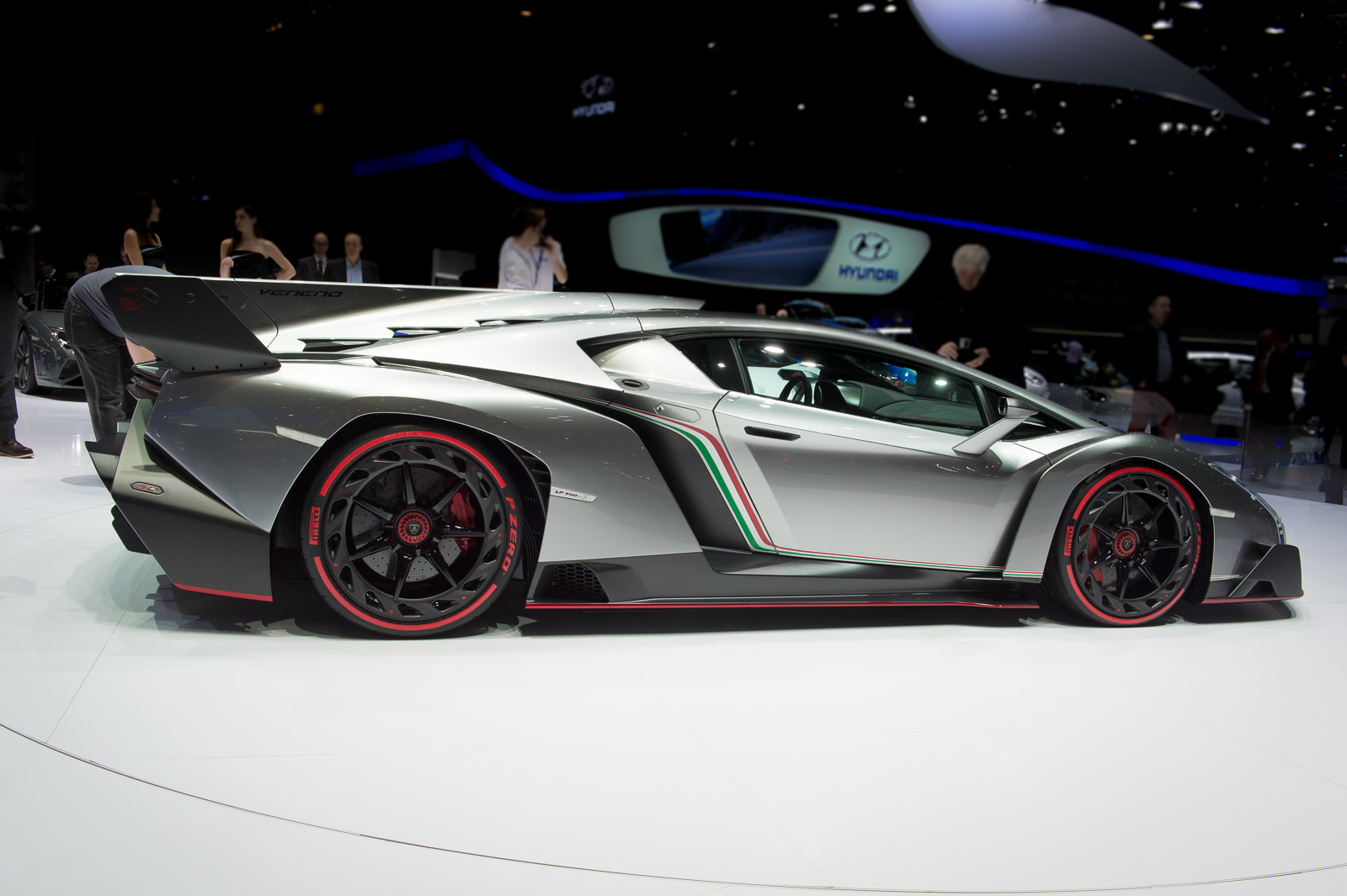 lamborghini veneno body kit lamborghini free engine image for user manual download. Black Bedroom Furniture Sets. Home Design Ideas
