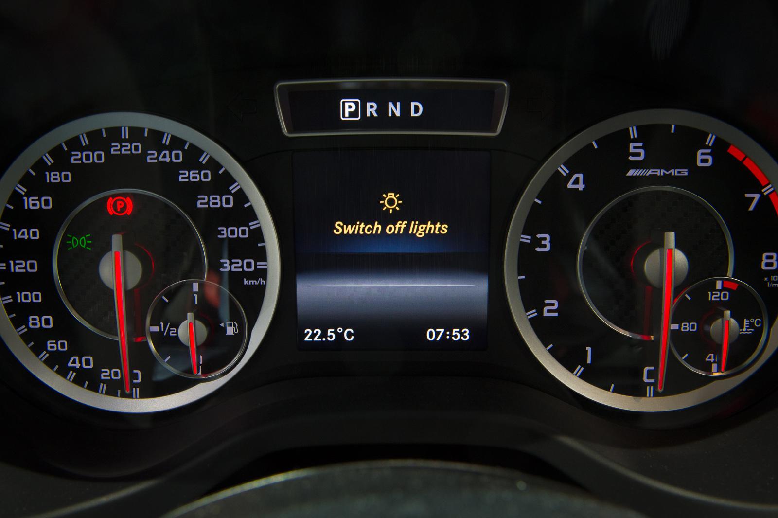 2013-mercedes-benz-a45-amg-mountaingrau-metallic-genf-auto-salon-15