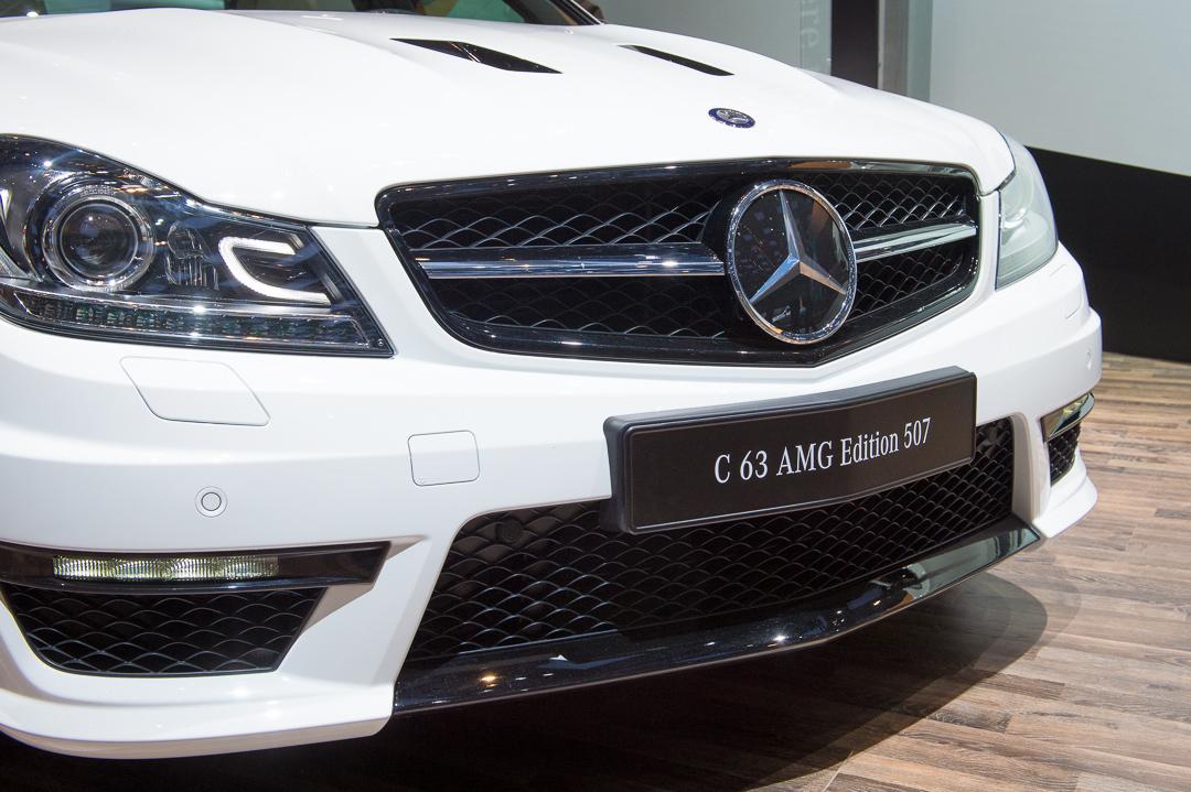 2013-mercedes-benz-c63-amg-edition-507-weiss-genf-auto-salon-03