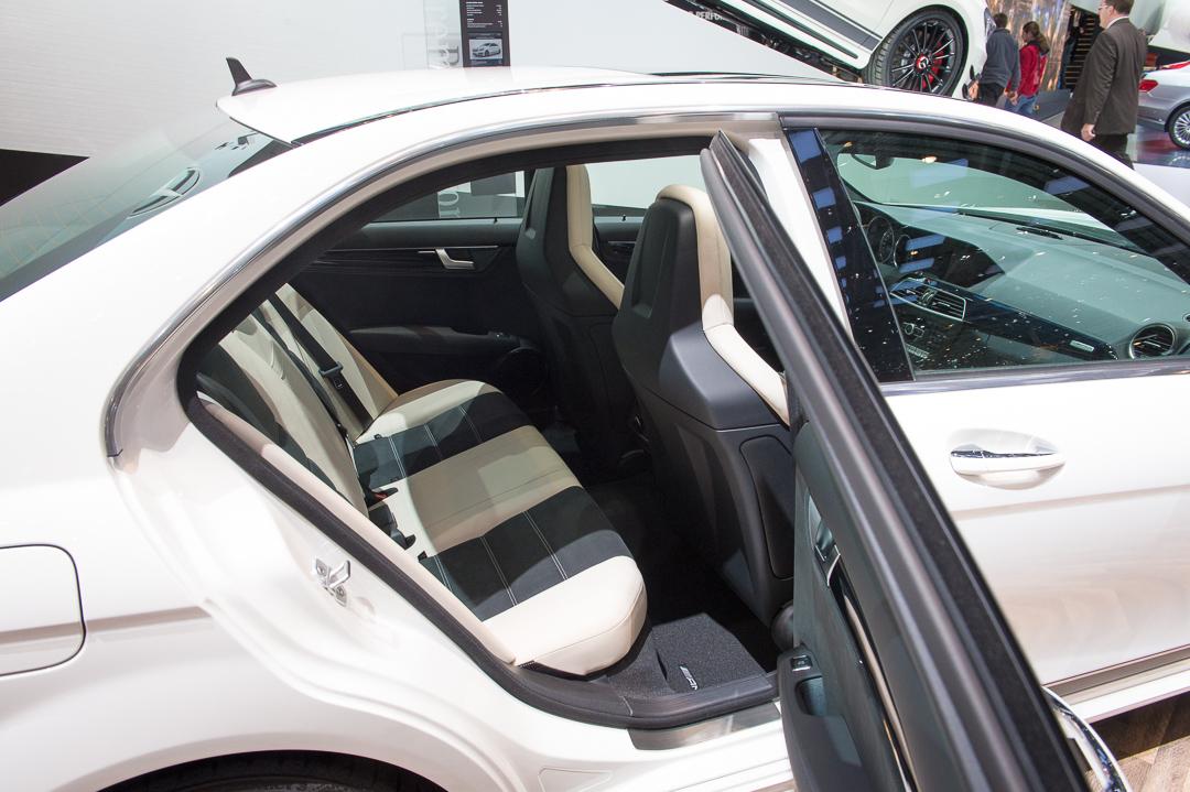 2013-mercedes-benz-c63-amg-edition-507-weiss-genf-auto-salon-13