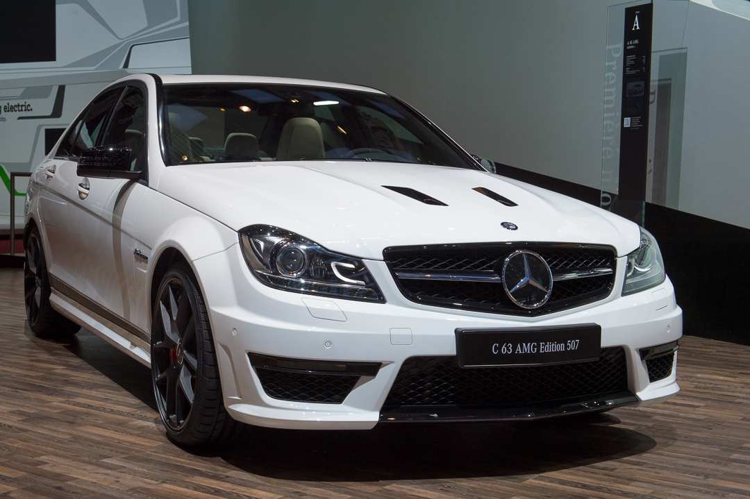 2013-mercedes-benz-c63-amg-edition-507-weiss-genf-auto-salon-02