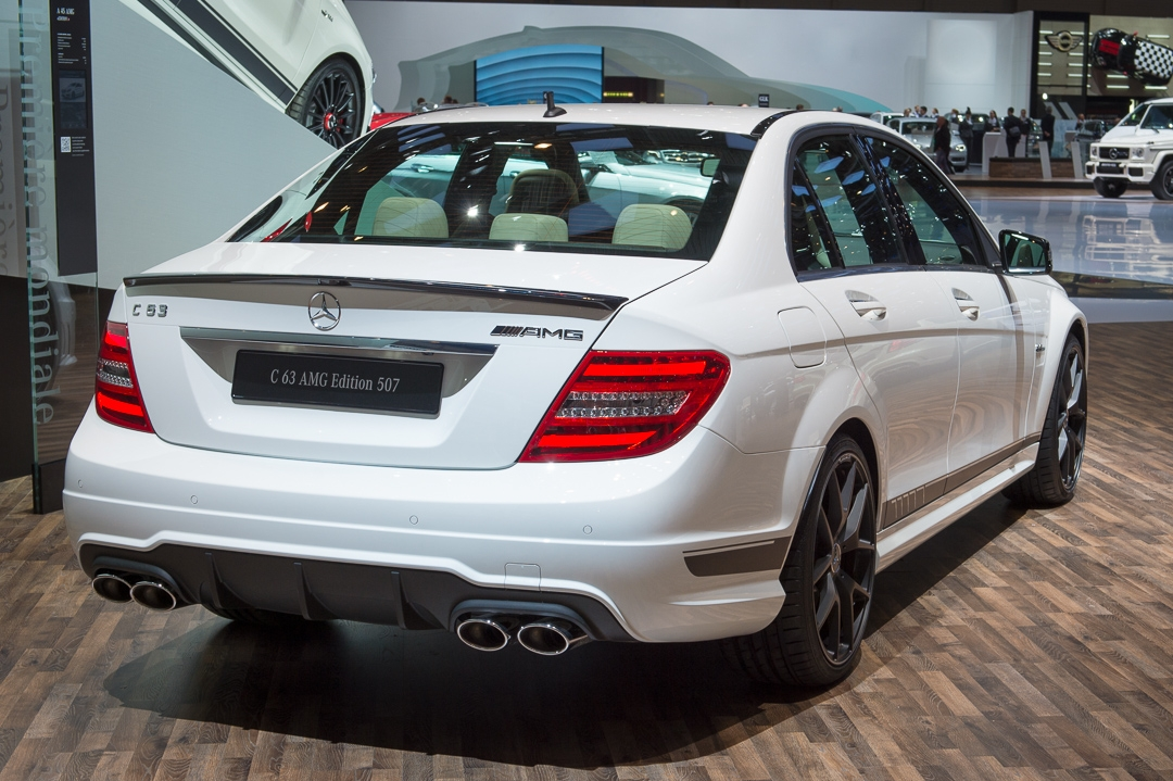 2013-mercedes-benz-c63-amg-edition-507-weiss-genf-auto-salon-09