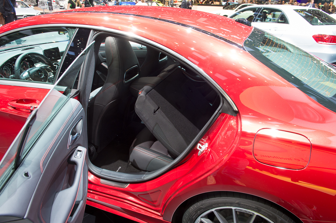 2013-mercedes-benz-cla-220-cdi-jupiterrot-amg-linie-genf-auto-salon-18