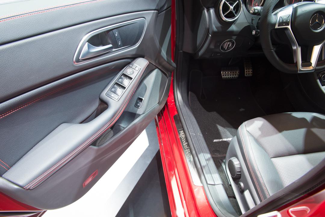 2013-mercedes-benz-cla-220-cdi-jupiterrot-amg-linie-genf-auto-salon-19