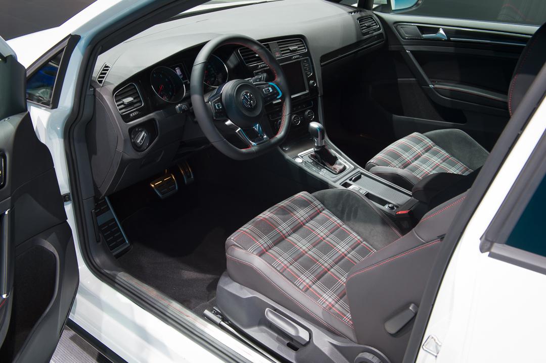 volkswagen video 2013 vw golf vii gti auto geil. Black Bedroom Furniture Sets. Home Design Ideas