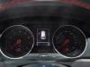 2013-volkswagen-vw-golf-gti-weiss-auto-salon-genf-08