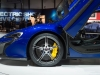 genf-2014-mclaren-650s-blau-spider-orange-06