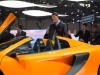 genf-2014-mclaren-650s-blau-spider-orange-22