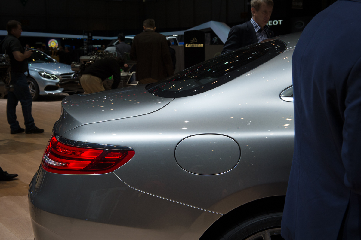 genf-2014-mercedes-benz-s-klasse-coupe-edition1-silber-25
