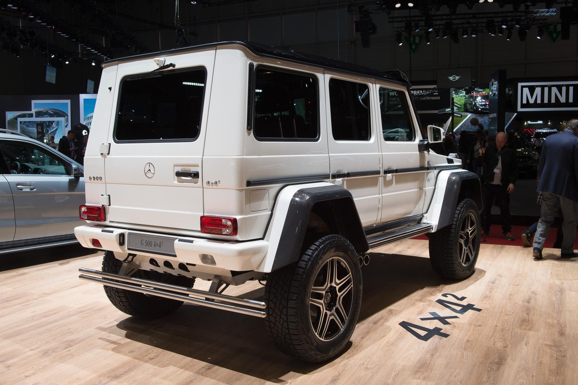 Genf-2015-Mercedes-Benz-G500-4x42-Studie-weiss-10