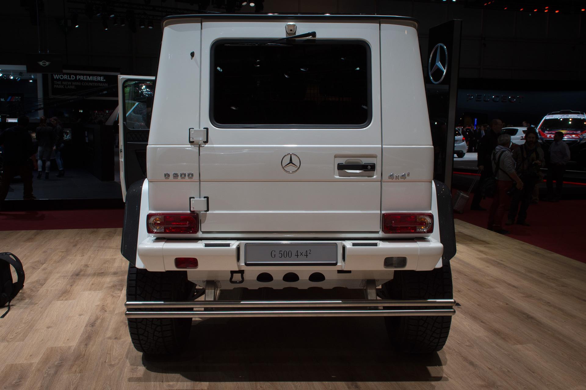 Genf-2015-Mercedes-Benz-G500-4x42-Studie-weiss-11