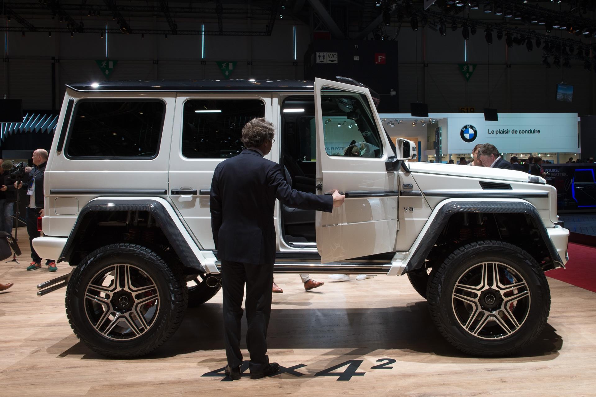 Genf-2015-Mercedes-Benz-G500-4x42-Studie-weiss-01
