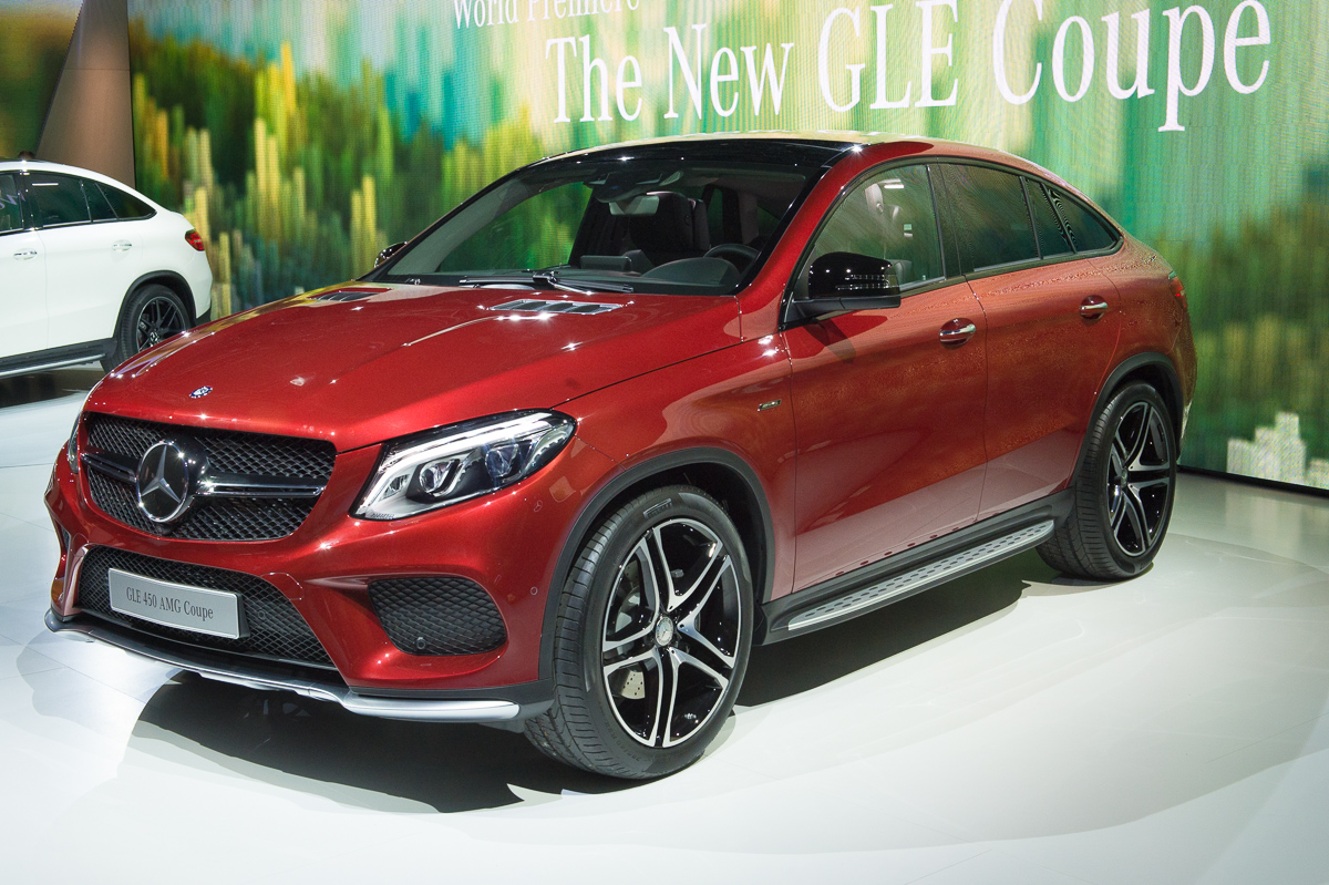 2015-Mercedes-Benz-GLE-450-AMG-Coupe-4MATIC-rot-weltpremiere-detroit-17