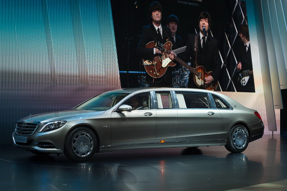 2015-Genf-Mercedes-Maybach-S600-Pullman-03