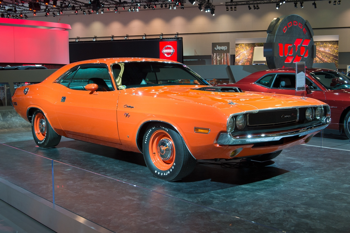 2013-dodge-challenger-rt-1970-orange-la-autoshow-laias-01