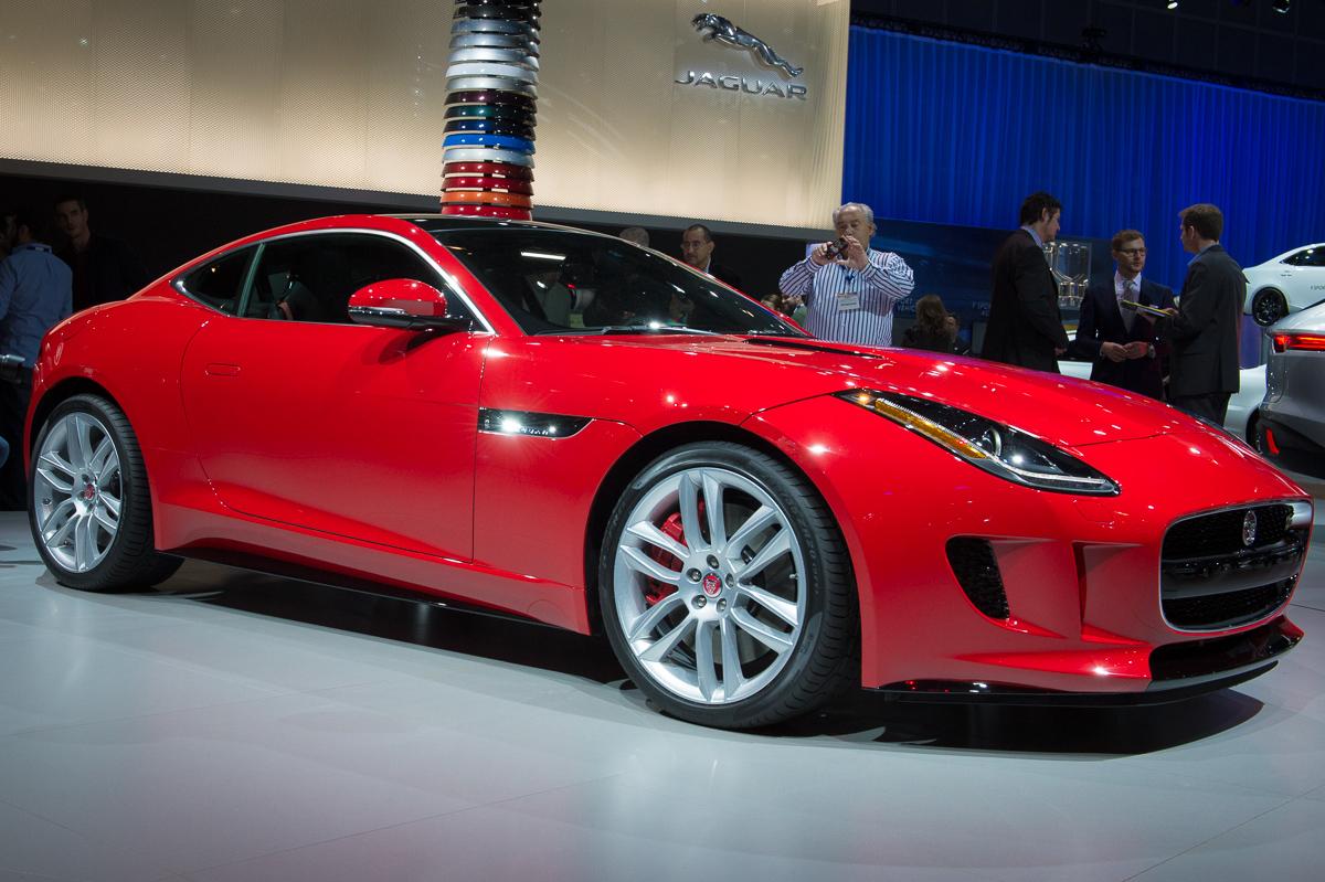 2013-jaguar-ftype-coupe-rot-la-autoshow-laias-02
