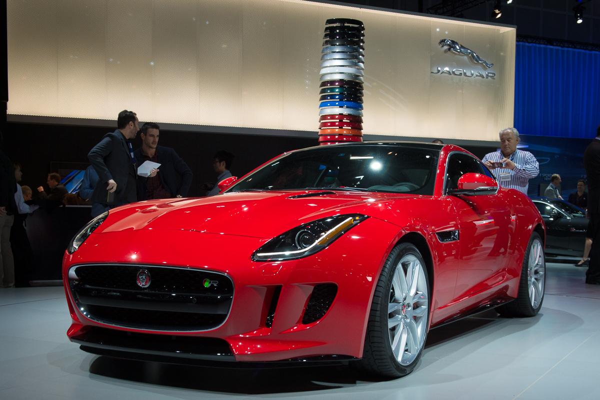 2013-jaguar-ftype-coupe-rot-la-autoshow-laias-05