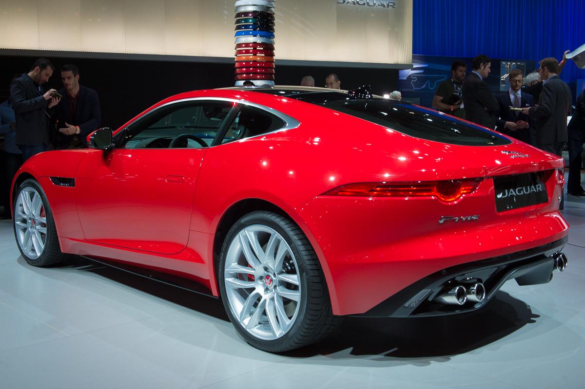 2013-jaguar-ftype-coupe-rot-la-autoshow-laias-08