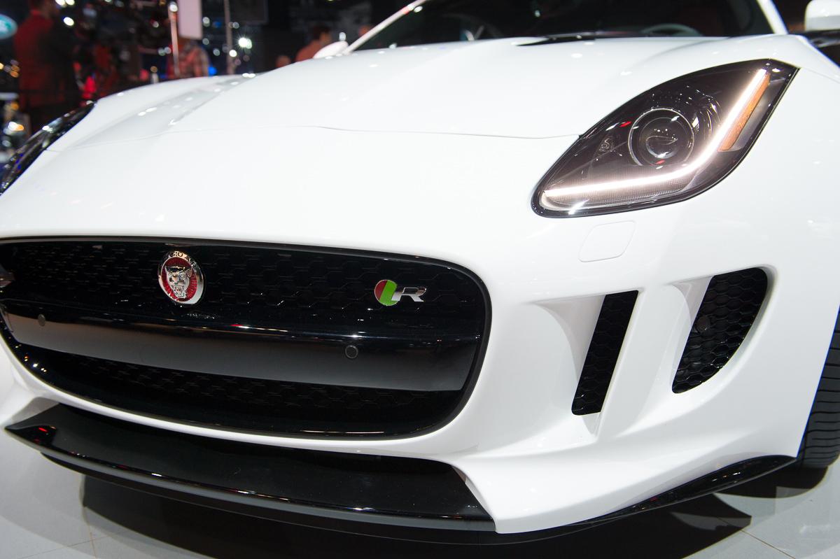 2013-jaguar-ftype-coupe-rot-la-autoshow-laias-16