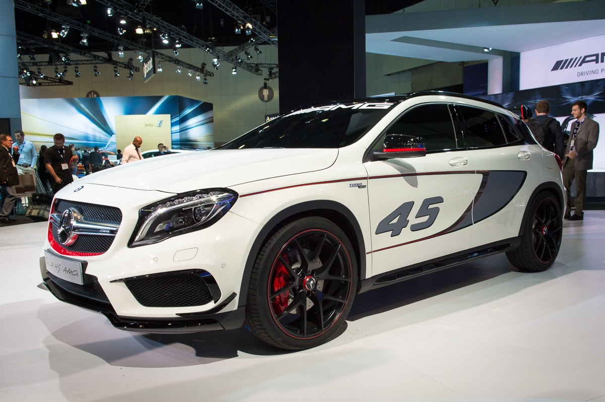 2013-mercedes-benz-gla-45-amg-concept-la-autoshow-laias-02