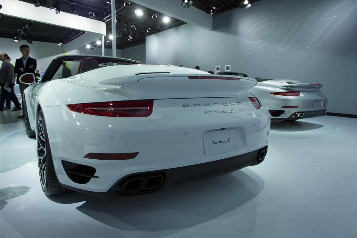 2013-porsche-911-turbo-cabriolet-la-autoshow-laias-08