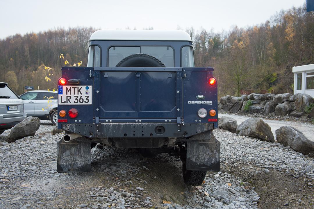 land-rover-defender-110-crew-cab-buckingham-blue-doppelkabine-021