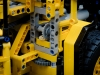 2014-LegoTechic-42030-Radlader-Volvo-L350F-22
