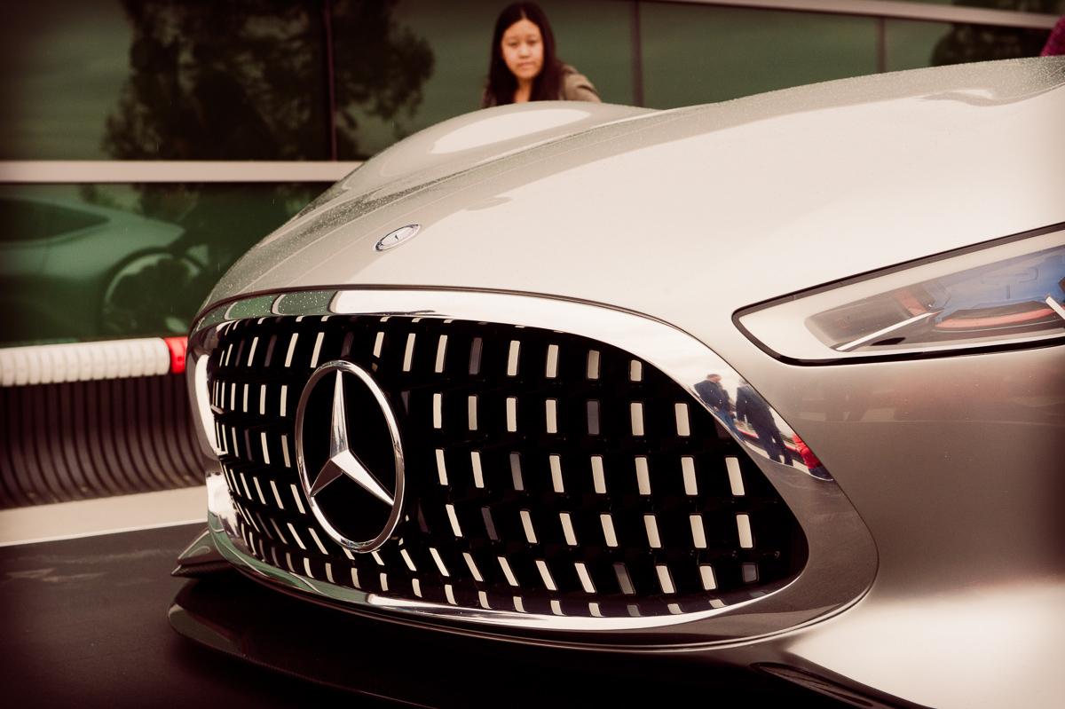 Mercedes benz amg vision gran turismo concept yahoo autos for Mercedes benz amg vision gt price
