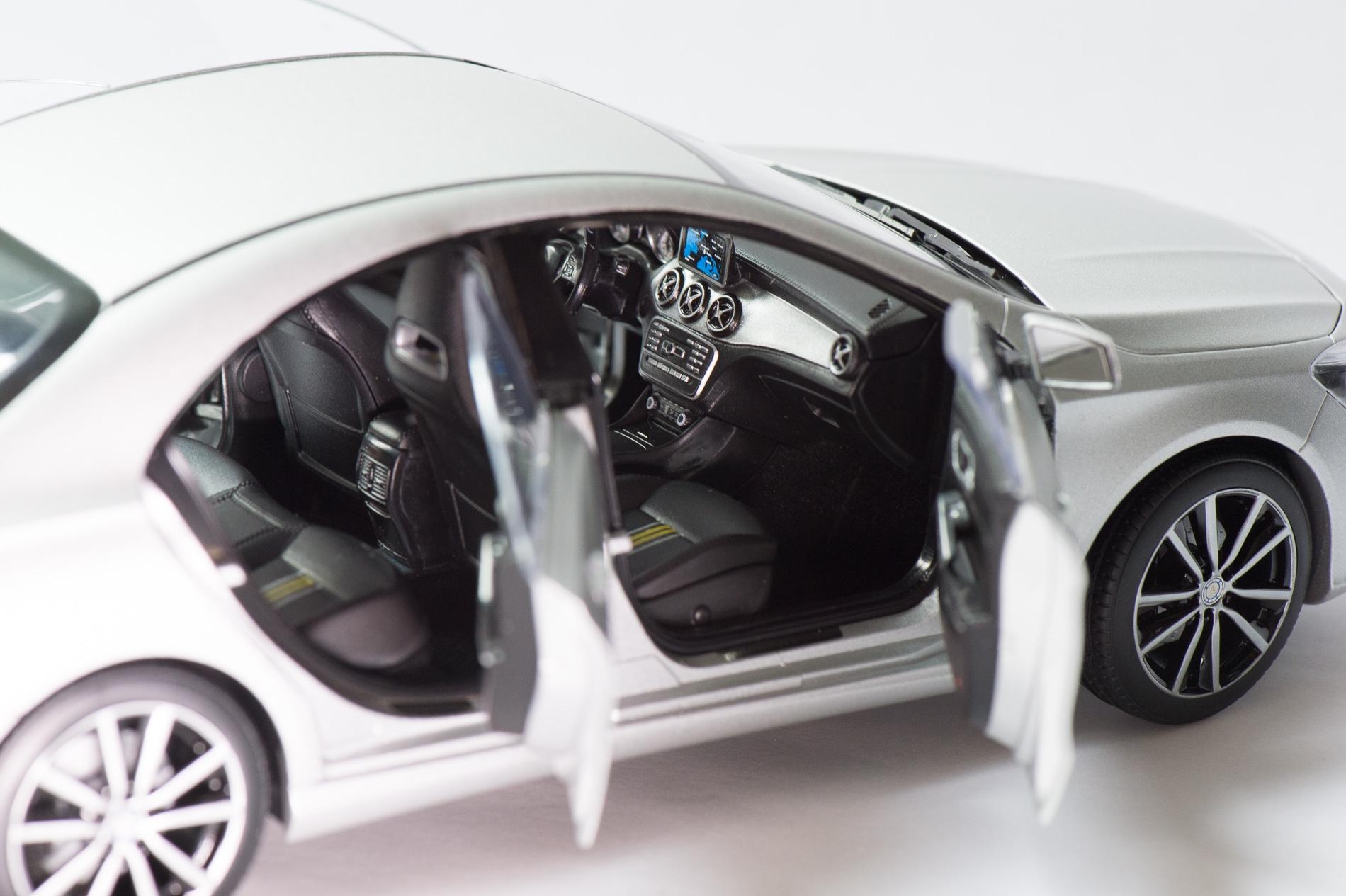 mercedes-benz-cla-c117-norev-modellauto-118-designo-polarsilber-magno-03
