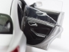 mercedes-benz-cla-c117-norev-modellauto-118-designo-polarsilber-magno-05