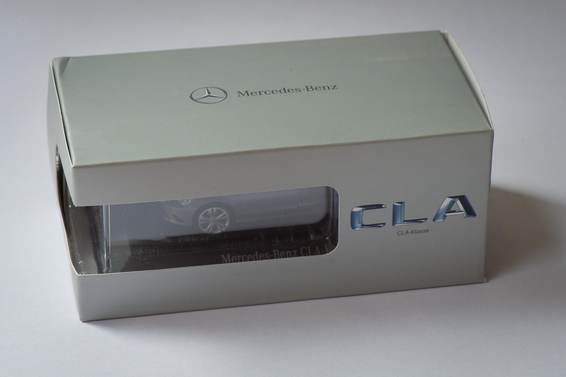 mercedes-benz-cla-c117-schuco-modellauto-143-montaingrau-01