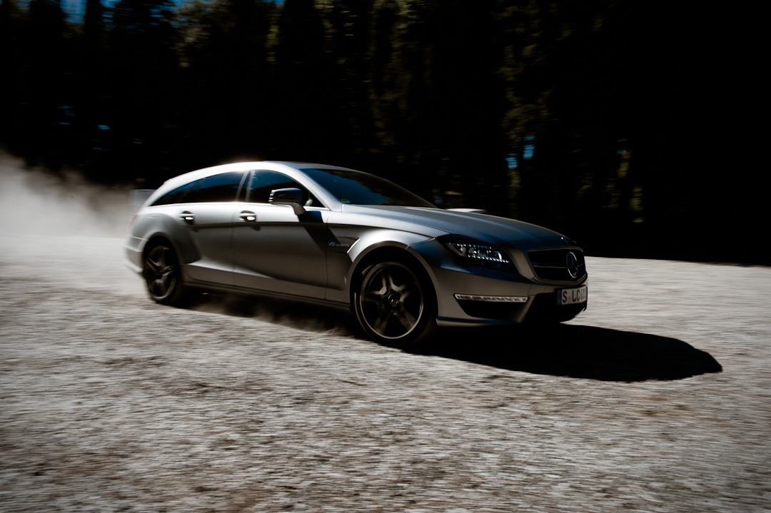 mit dem mercedes benz cls 63 amg shooting brake x218 unterwegs in der toskana auto geil. Black Bedroom Furniture Sets. Home Design Ideas