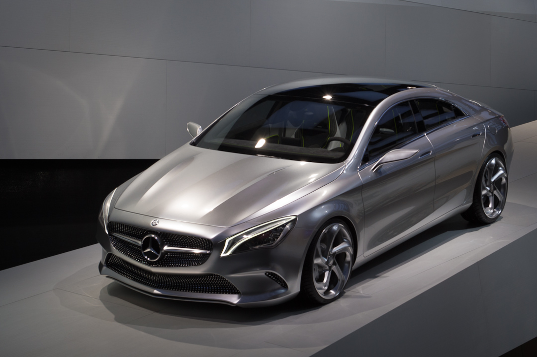 2012-mercedes-benz-design-style-coupe-cla-c117-paris-002