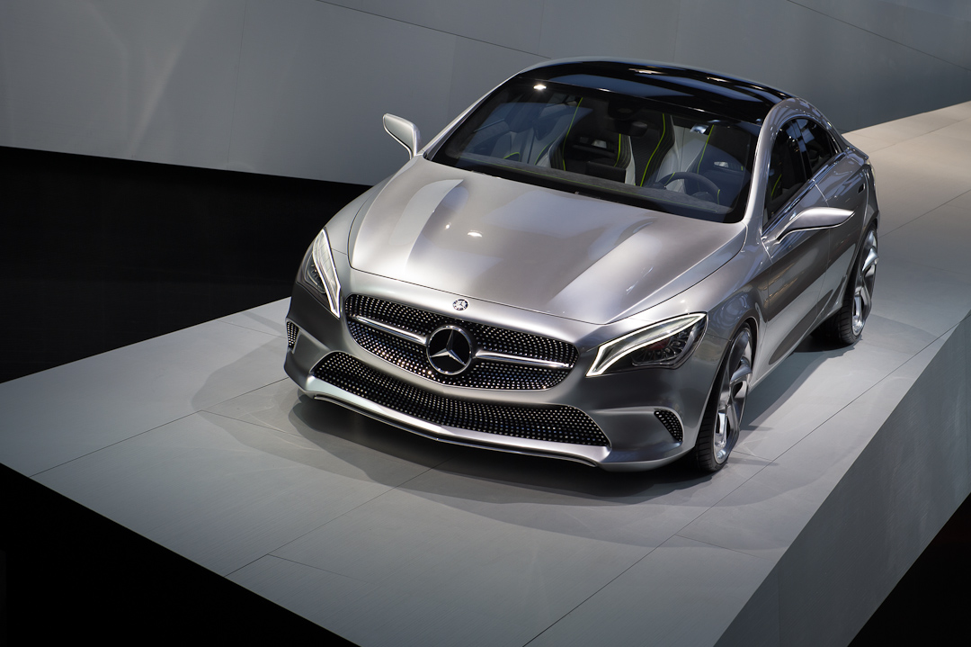 2012-mercedes-benz-design-style-coupe-cla-c117-paris-004